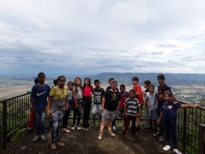 Alunos da Escola São Domingos Sávio visitam pontos turísticos faxinalenses