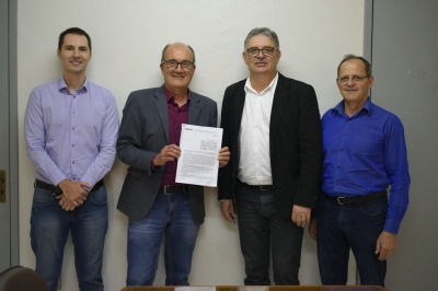 Prefeitura e Caixa assinam contrato para obras asfálticas na Avenida Vicente Pigatto