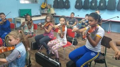 Orquestra Jovem Recanto Maestro retoma atividades no Projeto Ciranda