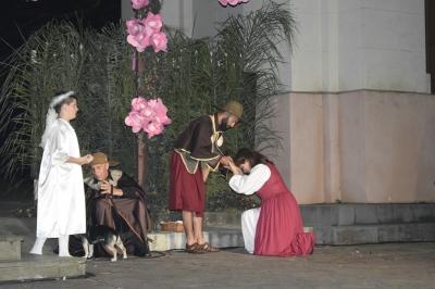 """Espetáculo """"Roque Santo e Peregrino"""" emociona a comunidade faxinalense"""