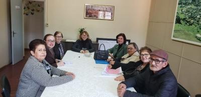 Secretária de Educação se reúne com grupos de terceira idade