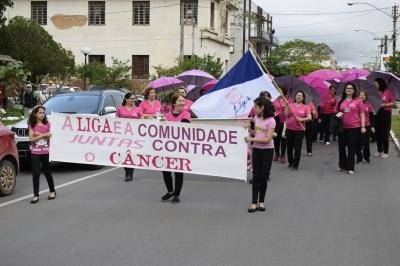 Caminhada e palestras marcam o Outubro Rosa em Faxinal