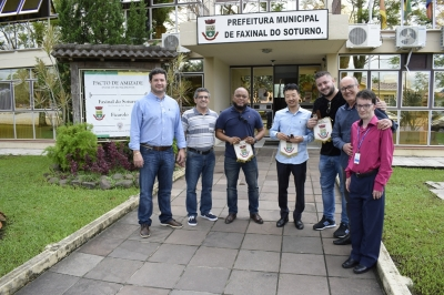 Prefeito recebe visita da Ecotires e empresários estrangeiros do ramo