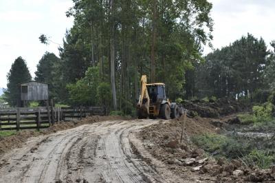 Secretaria de Obras inicia contenção para evitar alagamentos na Verde Teto