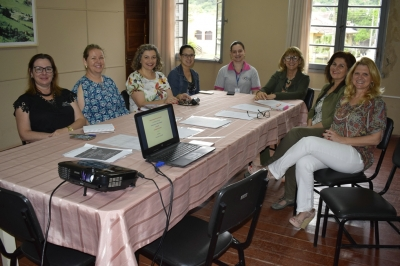 Conselho Municipal de Educação esteve reunido nesta segunda-feira (11)