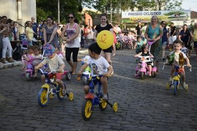 Passeio Ciclístico promove a paz no trânsito