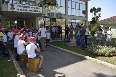 Cantatas Natalinas do Ciranda e AABB Comunidade espalham a magia do Natal