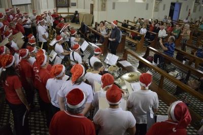 Cantata Natalina emocionou o público na Igreja Matriz São Roque
