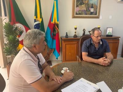 Coordenador regional da SEAPDR fiscaliza obras rurais da Consulta Popular