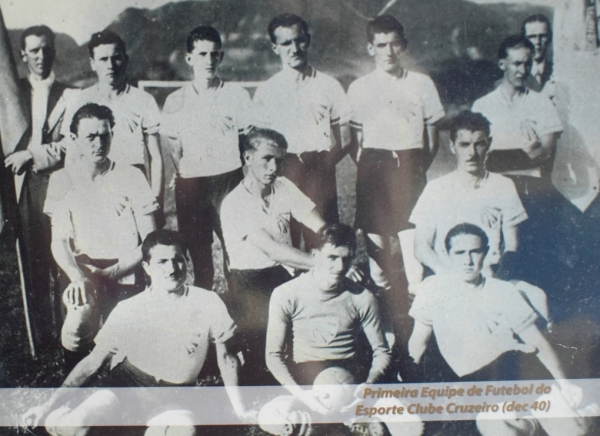 Primeira equipe de futebol do Esporte Clube Cruzeiro, na década de 1940
