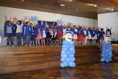 Escolas municipais realizam formaturas da Pré-Escola e 5º Ano