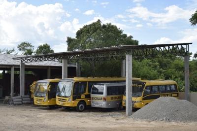 Frota do transporte escolar conta com garagem coberta