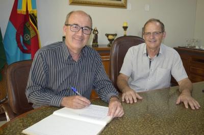 Prefeito Clovis Alberto Montagner reassume o Executivo após período de férias