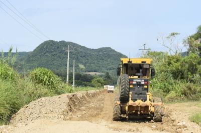 Secretaria de Obras recupera estrada entre Santos Anjos e Val Veronês
