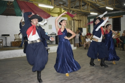 Ballet Mailen traz a cultura e a arte argentina para Faxinal do Soturno