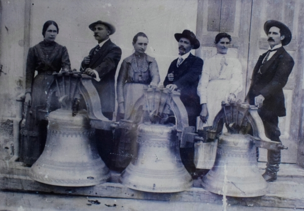 Sinos da Igreja Matriz São Roque, em 1915