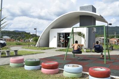 Casa de Faxinal recebe visitantes com informações turísticas, artesanato e produtos coloniais