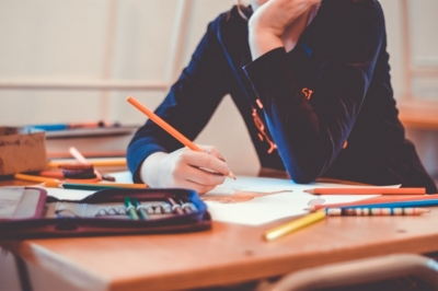 Escolas municipais entregam atividades para os alunos fazerem em casa