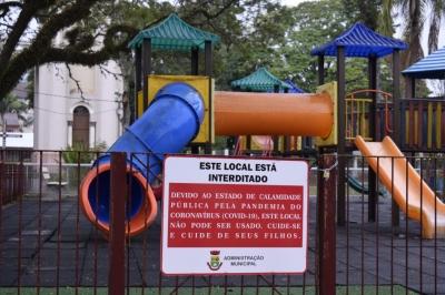 Ermida de São Pio, Estádio Municipal e pracinha de brinquedos estão interditados