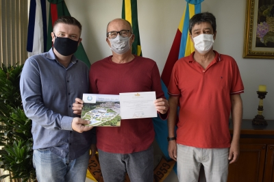 Prefeito Clovis recebe visita do mandatário de Restinga Seca
