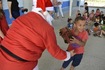 Secretaria de Assistência Social irá entregar presentes de Natal para as crianças do Município