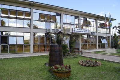 Prefeitura restringe atendimento presencial no prédio da Administração Municipal