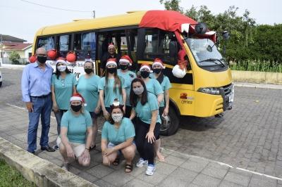 EMEI Beija-Flor inicia entrega dos presentes para as crianças