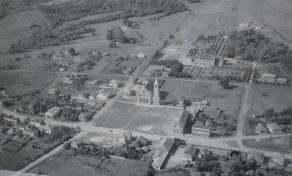 Vista aérea de Faxinal do Soturno na década de 1940