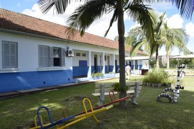 Secretaria de Obras realiza manutenção nas escolas