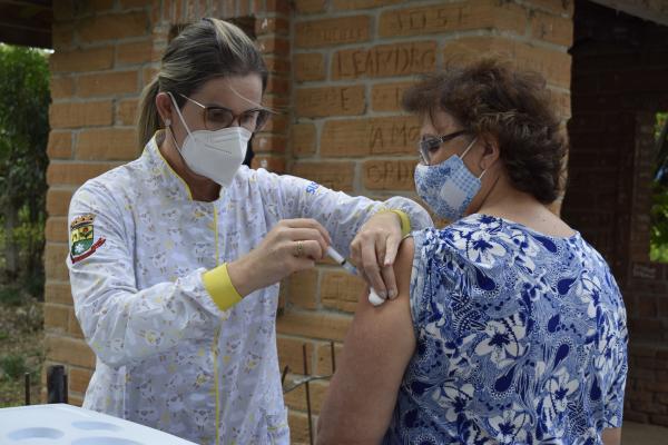 Mais de 21% da população faxinalense já recebeu a vacina contra a Covid-19