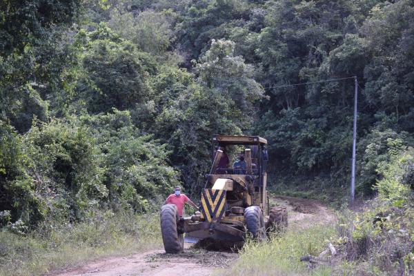 Recuperação de estradas no interior está em fase de conclusão