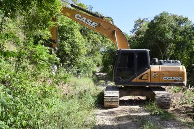 Secretaria de Obras reabre estrada de acesso ao Chapadão