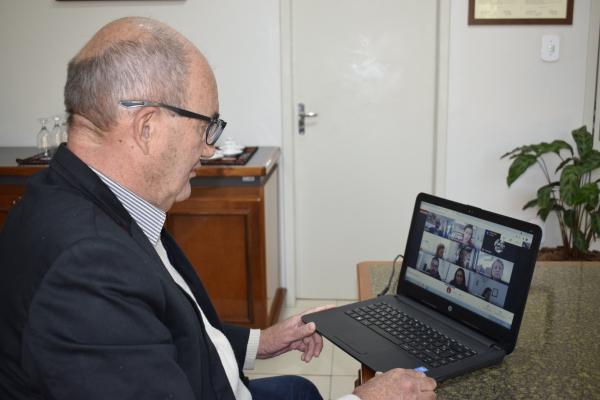 Prefeito Clovis participa de reunião do Comitê Gestor do Geoparque Quarta Colônia