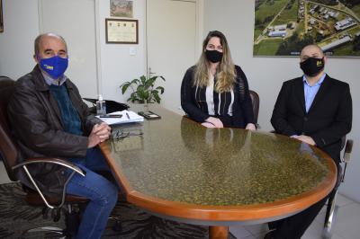 Prefeito Clovis recebe gerentes do Bradesco