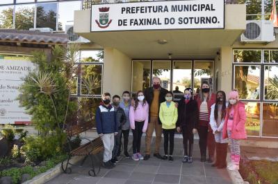 Alunos da Escola Paulo Freire visitam a Prefeitura