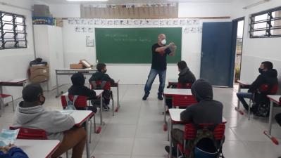 Paleontólogo da UFSM realiza atividades nas escolas faxinalenses