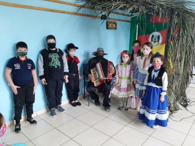 Escolas realizam atividades alusivas à Semana Farroupilha