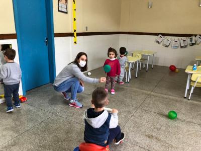 EMEI Beija-Flor realiza atividades pela Semana do Trânsito