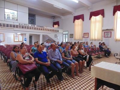 Secretaria da Educação promoveu reunião de recepção com serventes e motoristas
