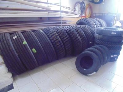 Administração Municipal adquire pneus para frota de máquinas e veículos