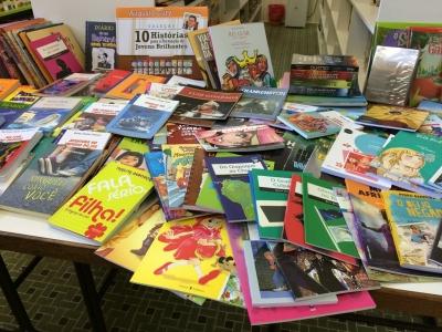 Administração Municipal adquire 365 livros para a Biblioteca Municipal