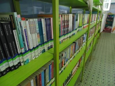 Biblioteca Municipal em processo de informatização