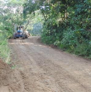 Trabalhos de patrolamento e de limpeza urbana são prioridades da Secretaria de Obras