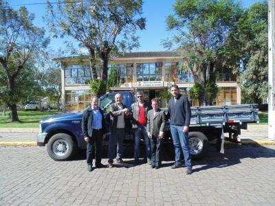 Administração adquire camionete para a Secretaria de Obras