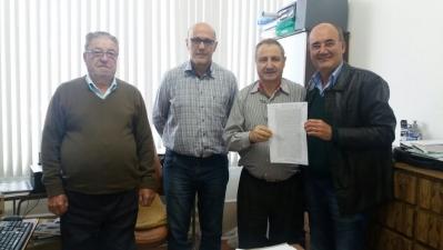 Prefeito Clovis oficializa doação de terreno à Camnpal