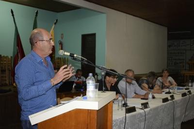 Prefeito Clovis participa de Sessão no Sítio Alto