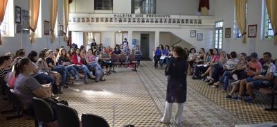Secretaria de Educação dá início à formação de professores