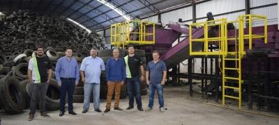 Prefeito Clovis realiza visita à Ecotires e às futuras instalações da Recitires