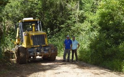 Obras de recuperação de estradas iniciam pela Linha Saxônia