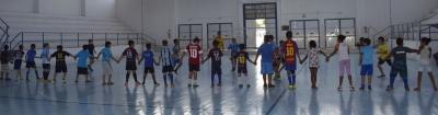 Escolinha Municipal de Futebol reiniciou as atividades ontem